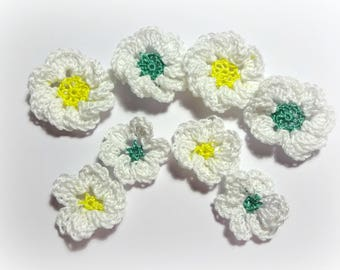 8 flowers crochet applique white yellow and green heart