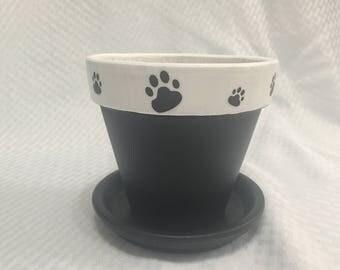 Paws clay pot