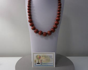 Red wooden beads necklace