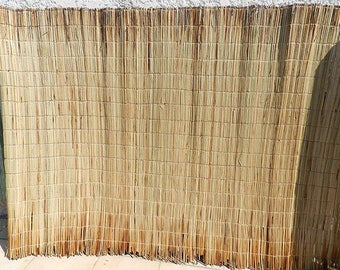 Mat rug woven African Bangle stems and natural raffia