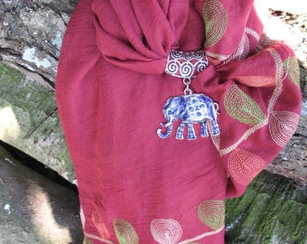 Scarf red jewels and elephant pendant