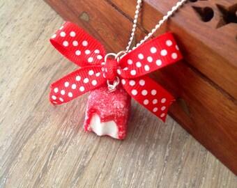 Necklace my little Strawberry bitten:
