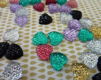 20 x heart shaped resin Cabochon.