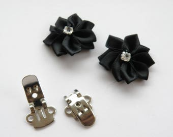 Kit with black satin flower shoe clips