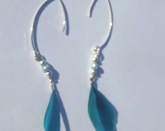 Pearl Earrings in silver, and blue feather
