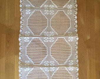 Large White Vintage Crocheted Serbian Table Runner. Antique Linen White Table Runner. White Crochet Lace Table Runner