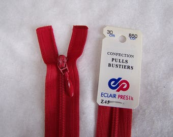 Red nylon zipper, 30 cm (Z45 850)