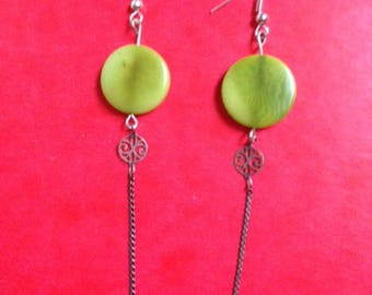 Earrings green vegetable ivory and rose chain