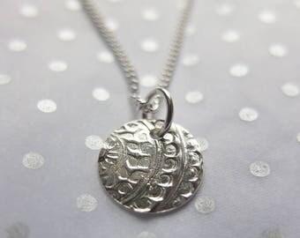 Mehndi circular pendant