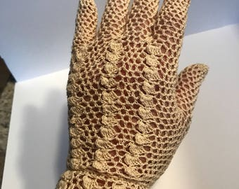 Gloves Vintage Crocheted Off White Size  Small Clean from a Smoke  Free Home