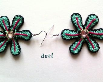 Duel: crochet flowers earrings