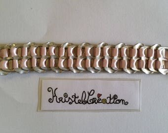 Bobbin Mod2 and Pale pink Satin Ribbon bottle cap bracelet