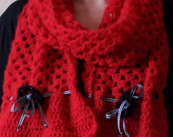 """Crochet """"Poppy"""" - red and Black Hat and scarf set"""
