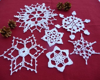Set 6 placemats to crochet for Christmas decoration
