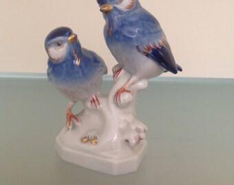 Porcelain birds
