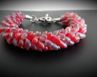 Beads magatama kumihimo bracelet