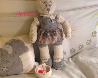 Plush knit organic cotton, little bear with a basket, amigurumi