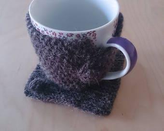 Mug warmer and mug grey knit