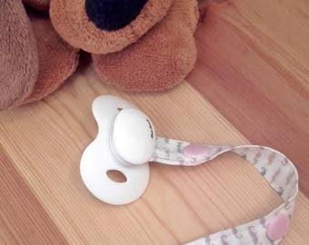 B03 - Clip pacifier or Soother 2 15 or 20 cm, whiskers, pink snap settings.
