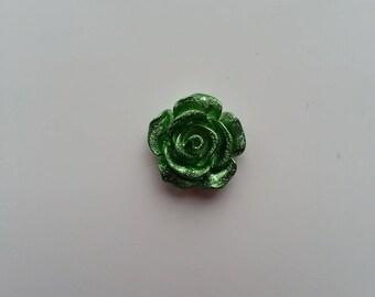 fleur  en résine  15mm verte