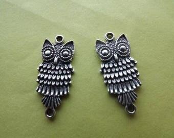 2 owls connectors in antique silver