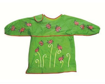 Child apron patterns green plastic ladybugs / apron for kindergarten, painting or crafting