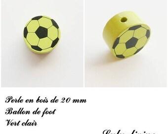 Wooden bead of 20 mm, flat bead, soccer ball: light green