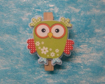 OWL on wooden pin embellishment