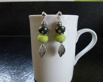 """Earrings """"Spring"""" in black and lime green Lampwork Glass Beads"""