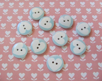 10 wooden hearts, 17mm buttons