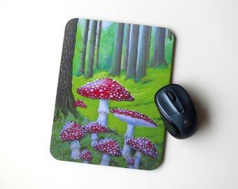 Toadstool frog mousepad, frog, fly agaric mushroom, fungi