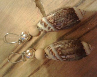 Pair of dangle Silver earrings, shells, pearls