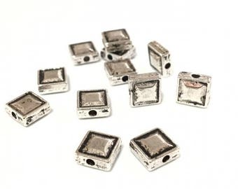 x 20 square 7.5 mm metal beads