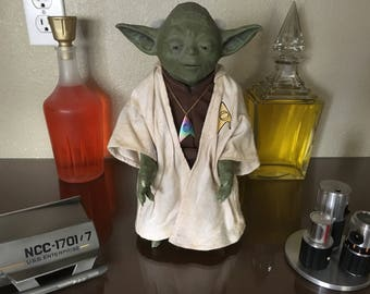 "Star Wars CALL UPON YODA Electronic 12"" Talking Figure over 500 phrases"
