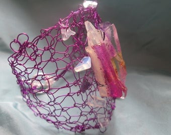 Fuschia metal wire and resin Cuff Bracelet