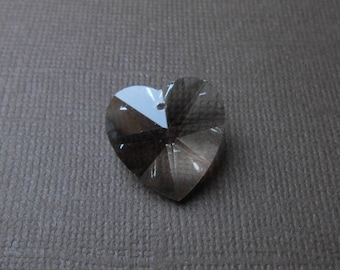 18 x 18 mm Crystal faceted glass heart pendant