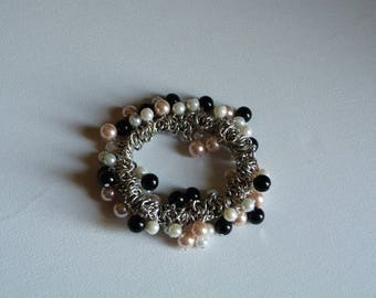 BRACELET CHAIN METAL AND BLACK SALMON WHITE PEARLY PEARLS