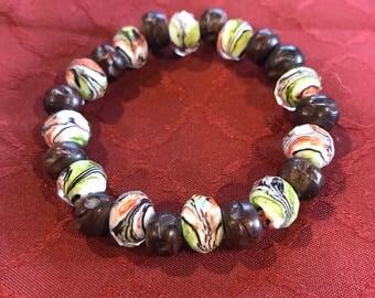 Swirled Glass and Wood Beaded Bracelet