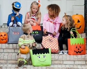 Monogrammed Halloween Tote / Personalized Halloween Tote / Halloween Bag / Halloween Bucket / Halloween Kid's Bag / Trick or Treat Bag /