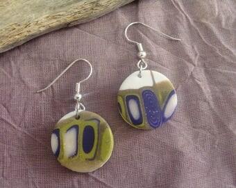 These handmade earrings round purple shades, green, white