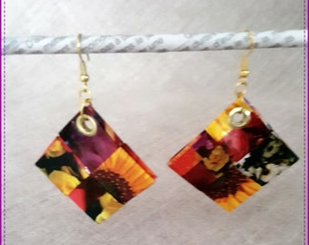 Earrings in recycled paper laminated on the theme of flowers
