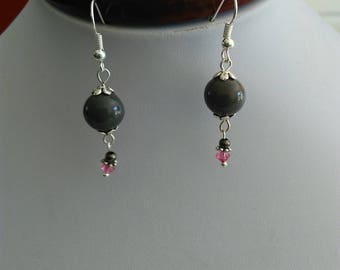 Pair pink and gray dangling earrings