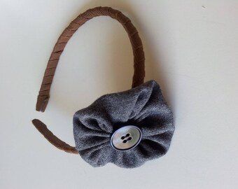 Covered headband with flower-Cockade and Central button
