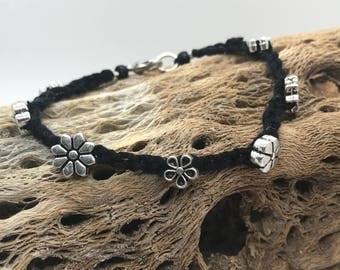 Daisy crochet bracelet