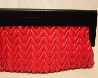 Bright pink 90s vintage clutch with wooden handles