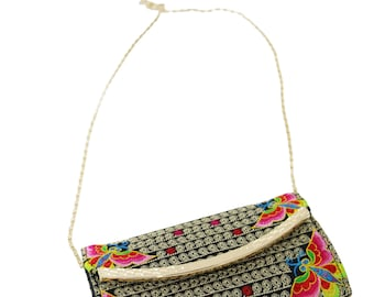 Embroidered Clutch bag/Clutch with Butterfly Embroidery Pattern