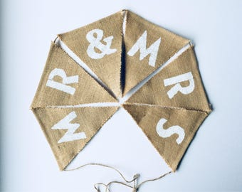 Mr & Mrs hessian bunting . Wedding burlap bunting . Hanging venue decoration for rustic Wedding