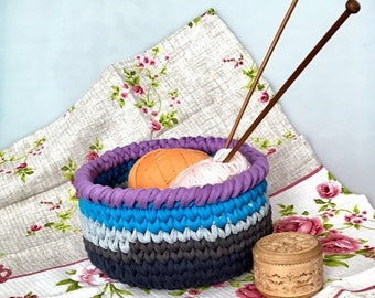 Knitted basket, storage, t-shirt yarn basket