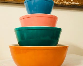 Vintage Primary Mixing Bowls set of 4