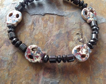 Haematite & Howlite skull bracelet